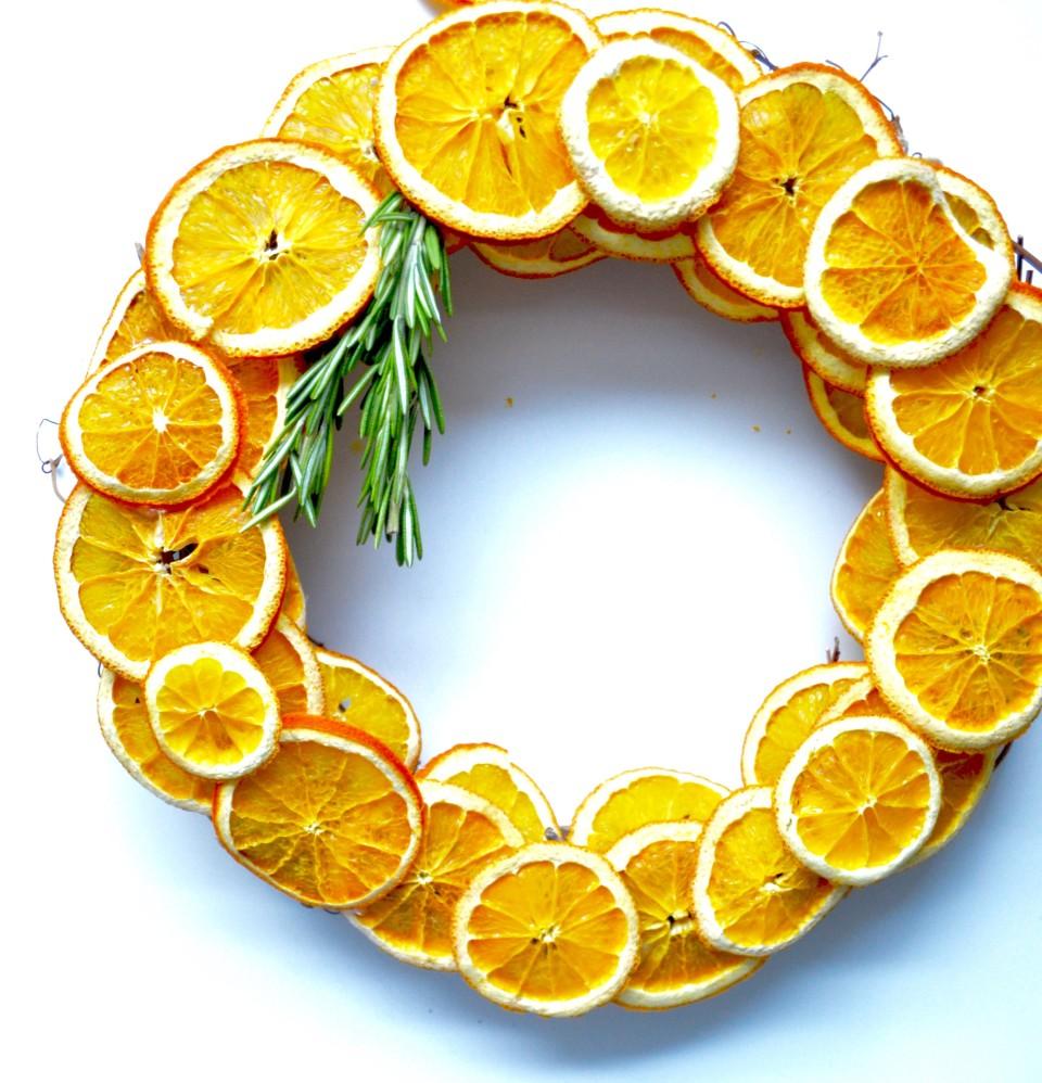 citrus slice wreath