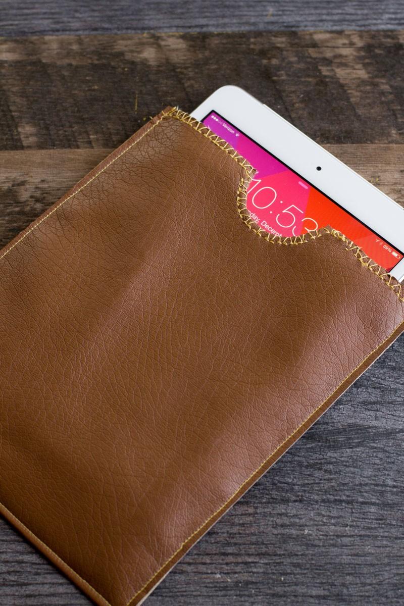 Simple DIY Leather iPad Sleeve To Make