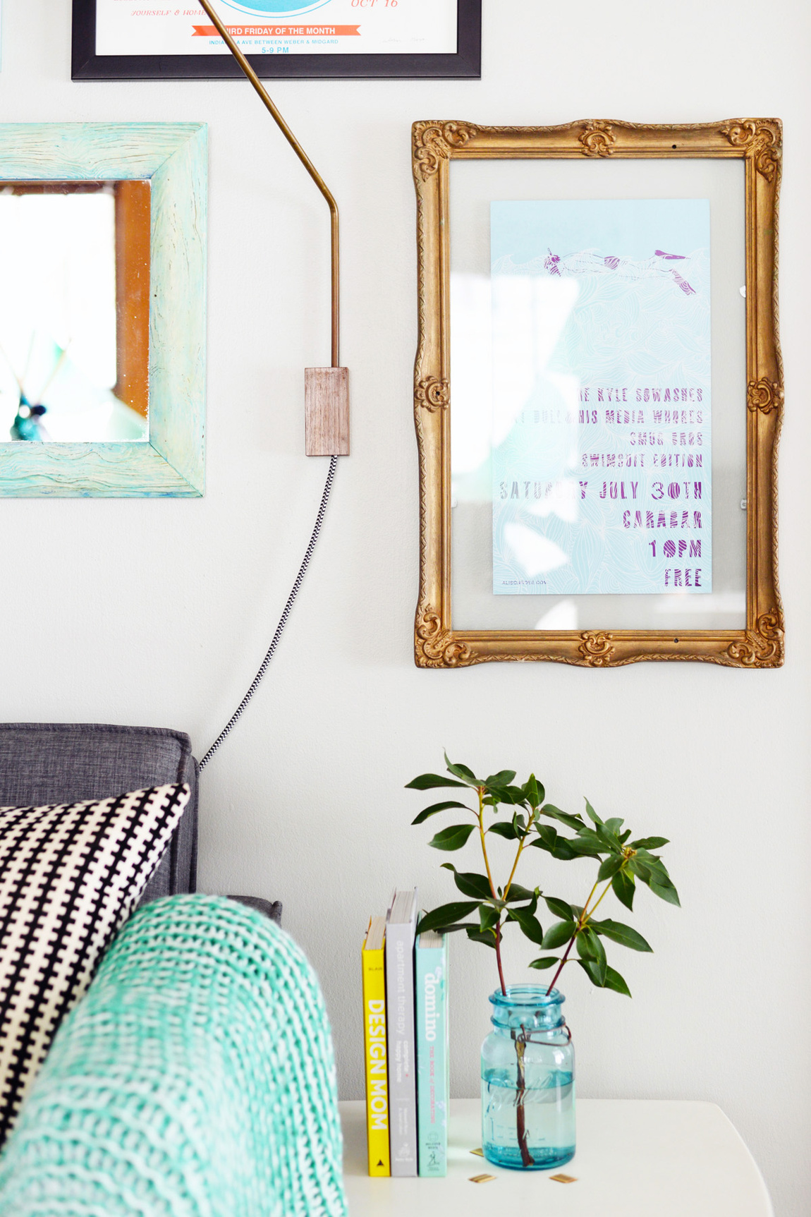 Picture Of chic vintage inspired diy floating frame  1