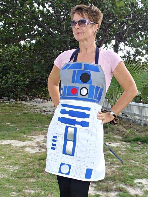 R2D2 apron (via so-sew-easy)