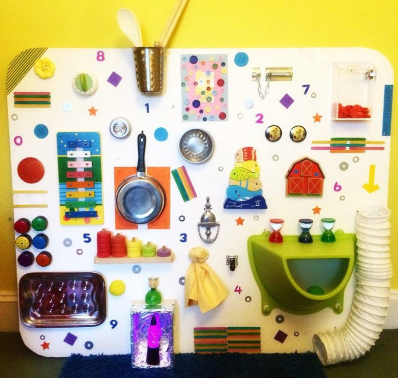 This sensory panel provides lots of listening opportunities, as well as covering a need for visual and tactile stimulus. (via www.learningandexploringthroughplay.com)