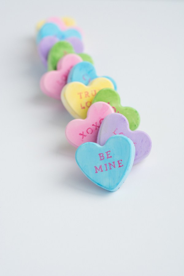 conversation heart magnets (via thisheartofmineblog)