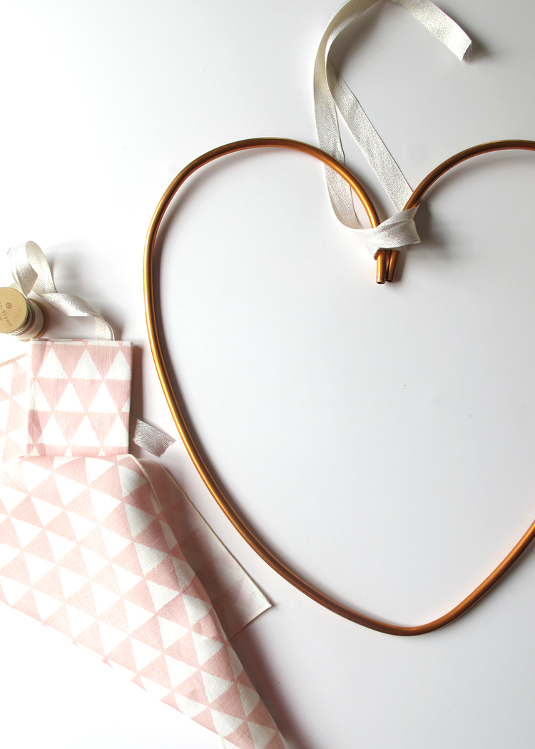 Picture Of diy copper heart wreath for valentines day  5