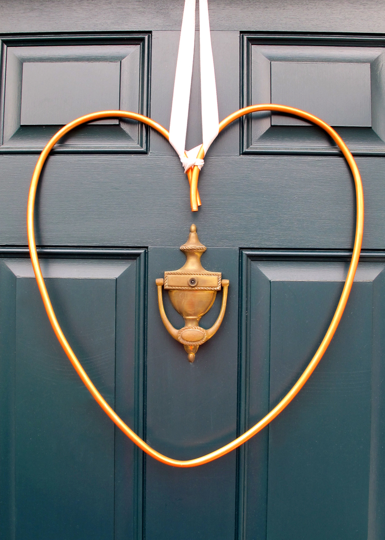Picture Of diy copper heart wreath for valentines day  6
