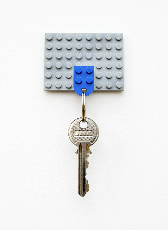 Lego key holder (via minieco)