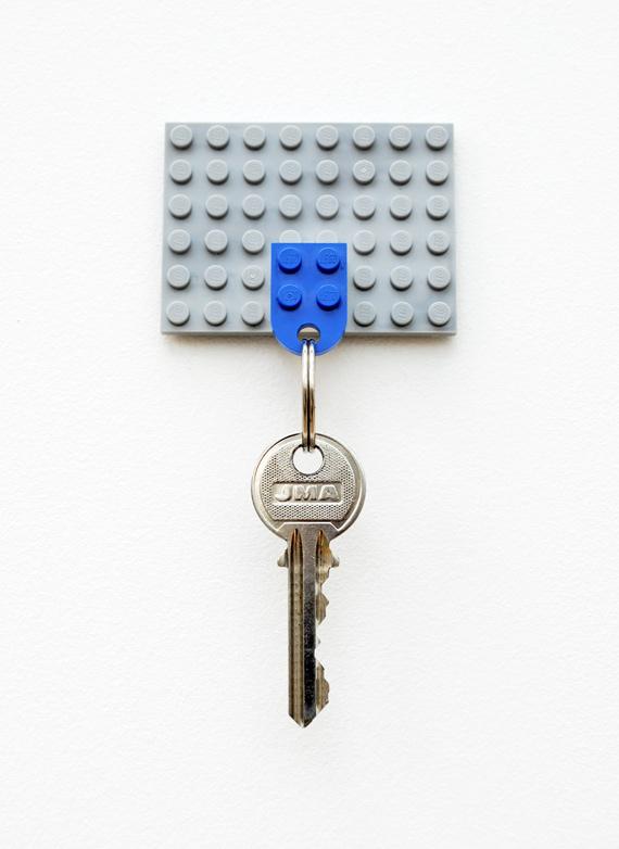 Lego key holder (via minieco)