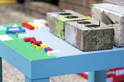 LEGO play table (via shelterness)