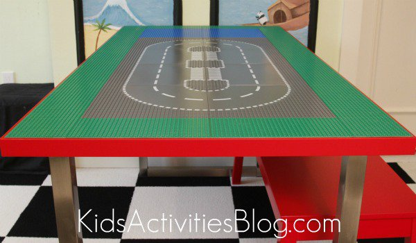 building a LEGO table (via kidsactivitiesblog)