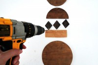 diy-wall-art-jewelry-from-stained-plywood-5