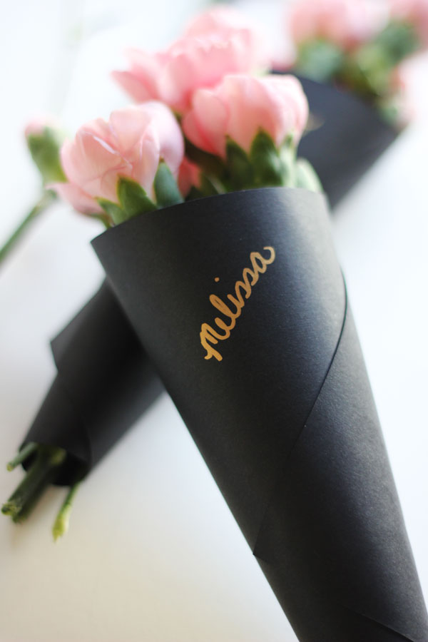 mini personalized bouquet wraps (via theflairexchange)