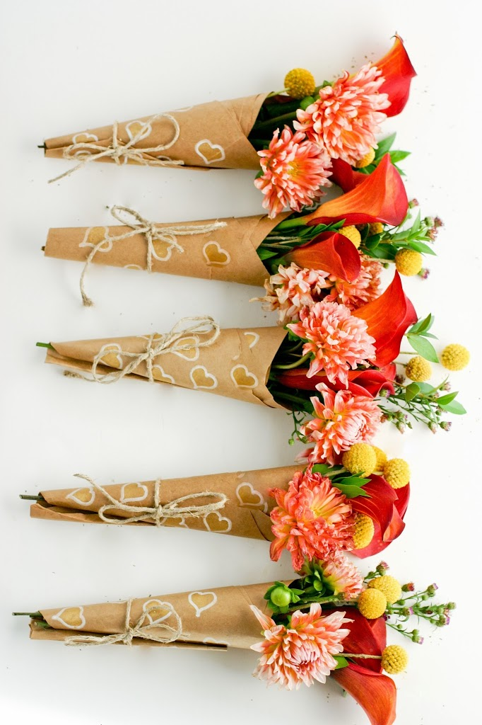 heart bouquet wraps (via flaxandtwine)