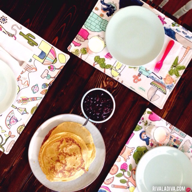 DIY paintable placemats (via rivaladiva)