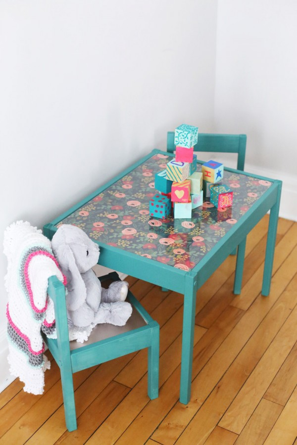 DIY kids' table and chairs (via thesweetestoccasion)