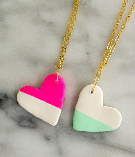 DIY colorblock heart necklace (via akailochiclife)