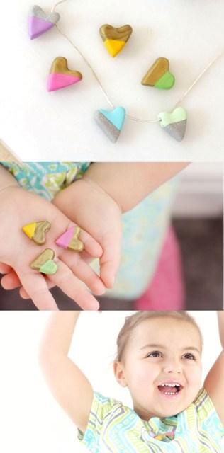 DIY enameled heart necklace (via styleoholic)