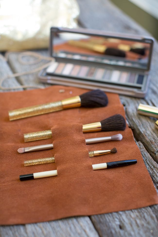 leather makeup brush holder (via helloglow)