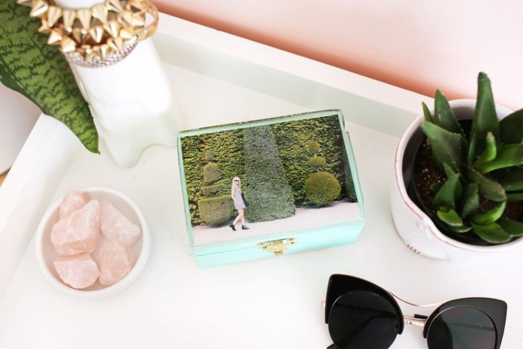Cute DIY Epoxy Jewelry Box With A Photo