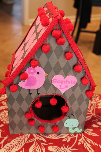 DIY birdhouse Valentine box (via faith-love-hope)