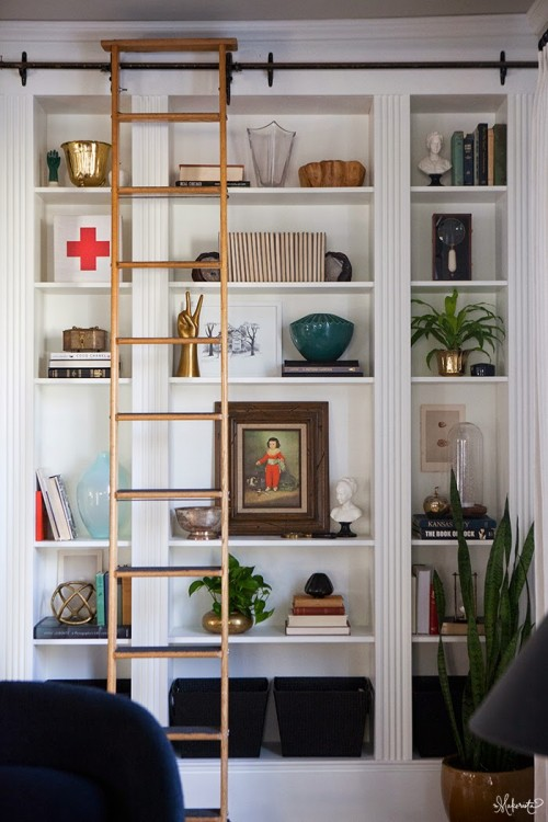 DIY bookshelves hack (via shelterness)