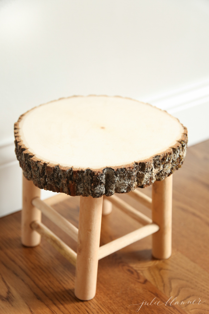 Diy Rustic Wood Slice Bathroom Stool Shelterness