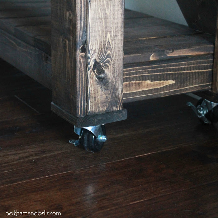 Picture Of diy wooden console entryway table  11