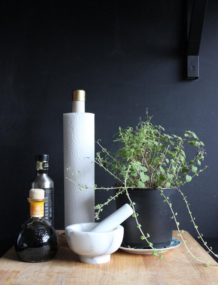 DIY Wooden Dowel Paper Towel Holder