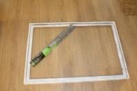 easy-diy-chicken-wire-photo-display-2