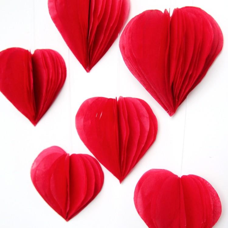 3D Tissue Paper Hearts (via Gatheringbeauty)
