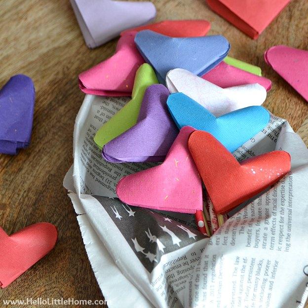 origami heart bouquet (via hellolittlehome)