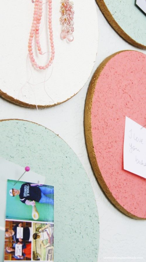 DIY custom cork boards (via shelterness)