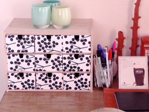 DIY desk box organizer (via shelterness)