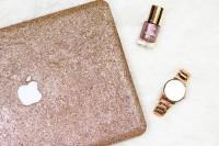 girlishly-chic-diy-glitter-laptop-case-4