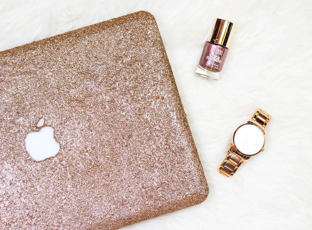 Picture Of girlishly chic diy glitter laptop case  4