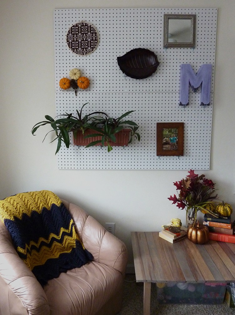 DIY pegboard wall (via lovelywren)