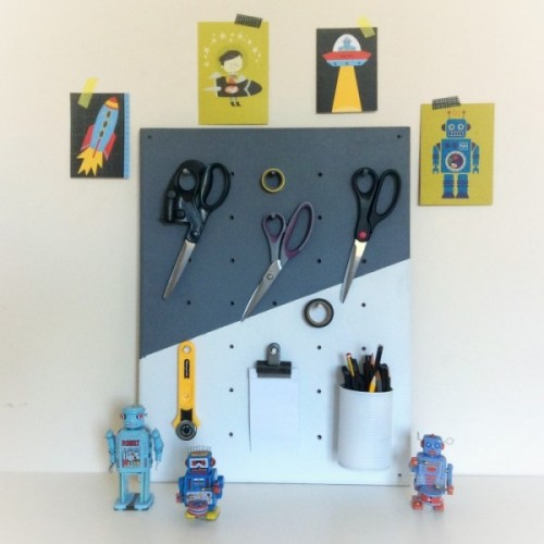 DIY scissors pegboard (via shelterness)