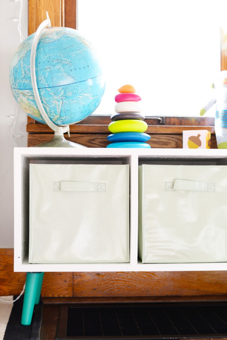 Simple And Modern Diy Toy Storage Bench Shelterness