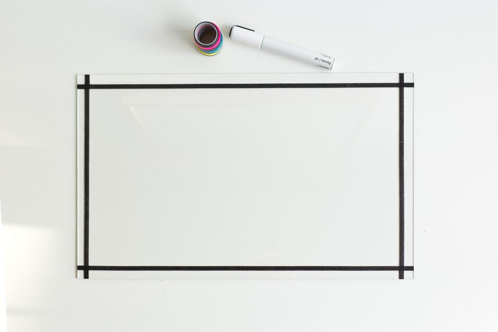 Picture Of unusual diy clear glass memo board  4