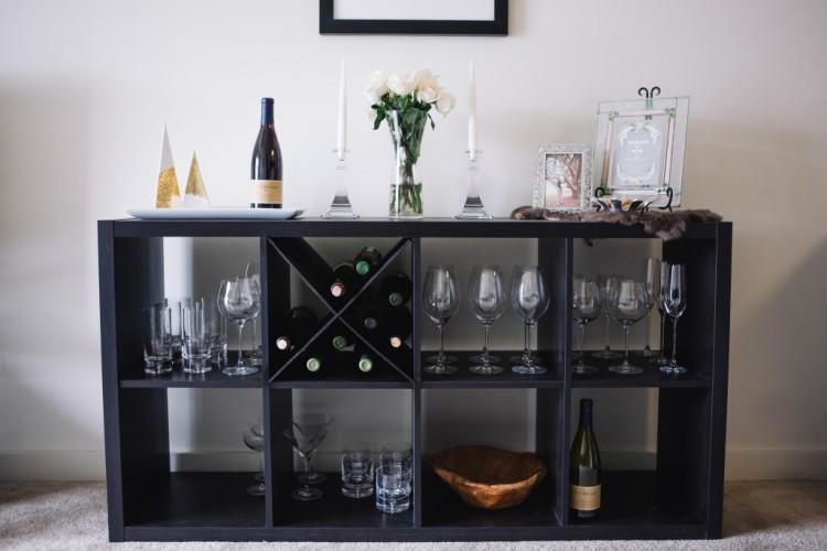DIY Kallax wine rack (via lacrema)