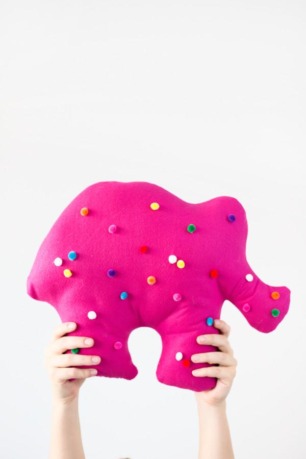 Bold DIY Circus Animal Cookie Pillows