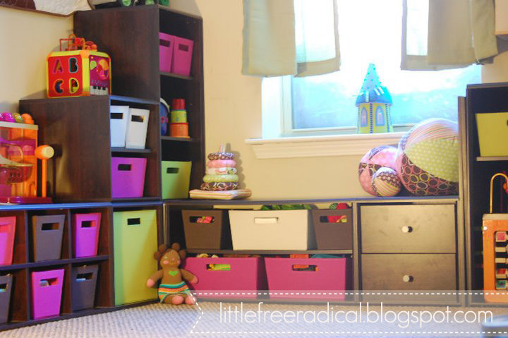 DIY IKEA units toy storage (via littlefreeradical)