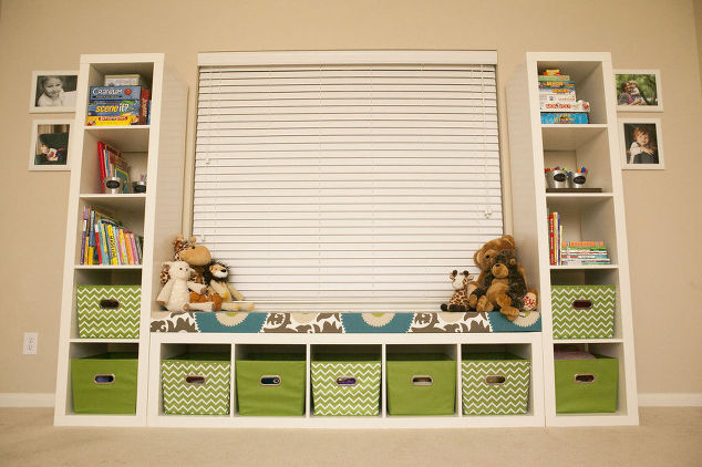 DIY toy storage shelves (via hometalk)