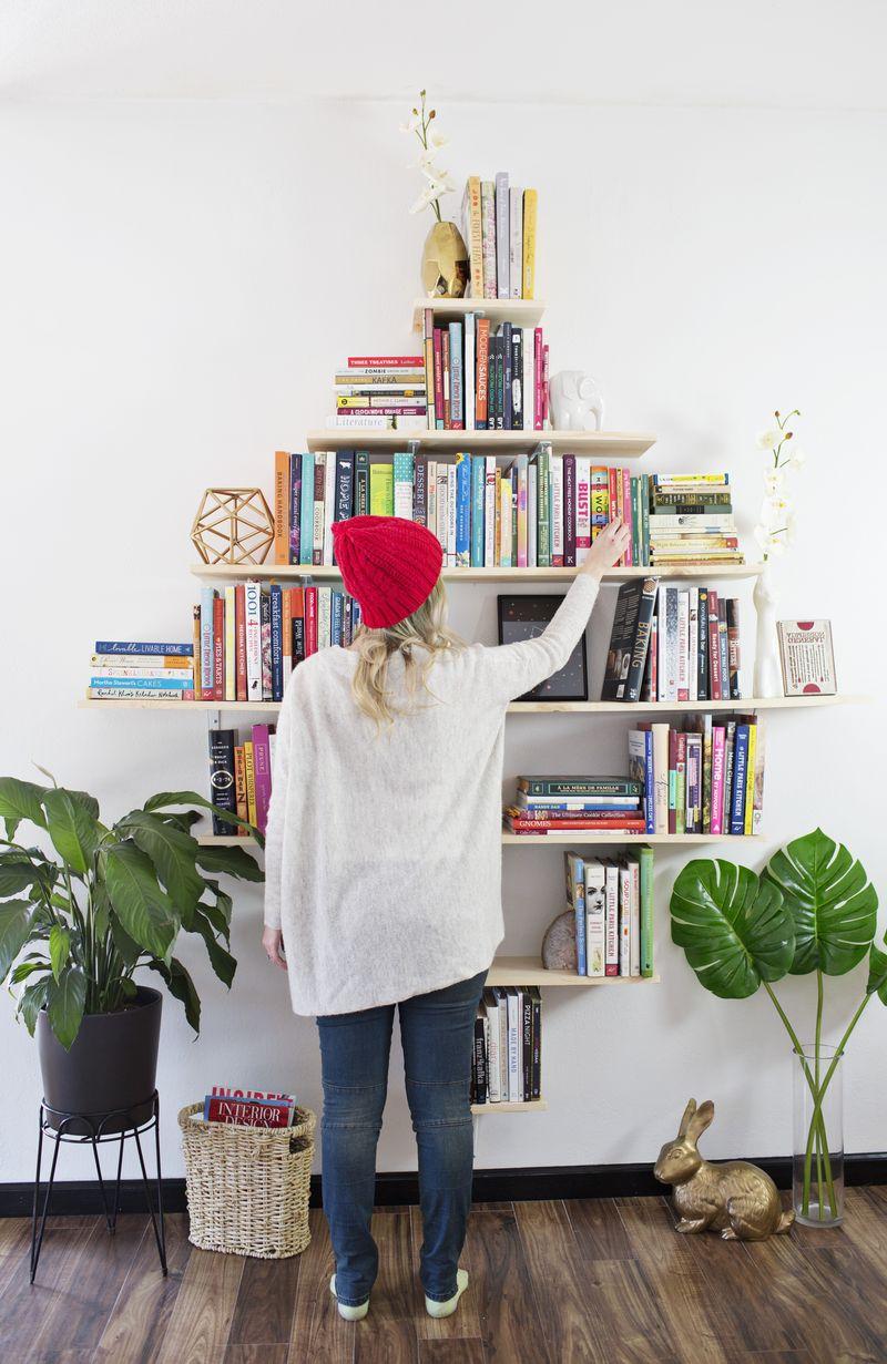 Picture Of creative diy diamond shaped bookshelves  6