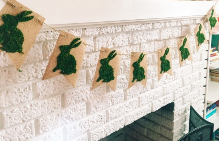 Cute DIY Moss Bunny Spring Banner