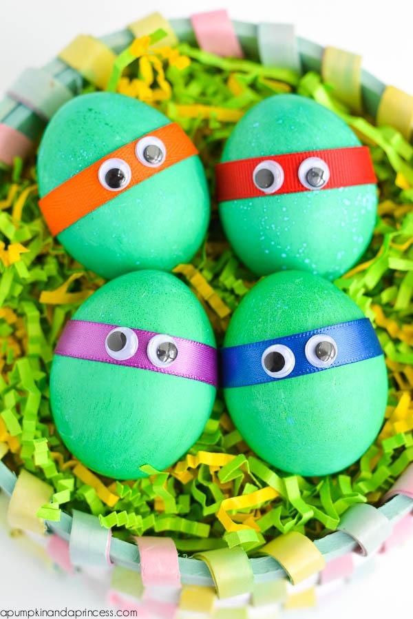 DIY ninja turtle eggs (via apumpkinandaprincess)