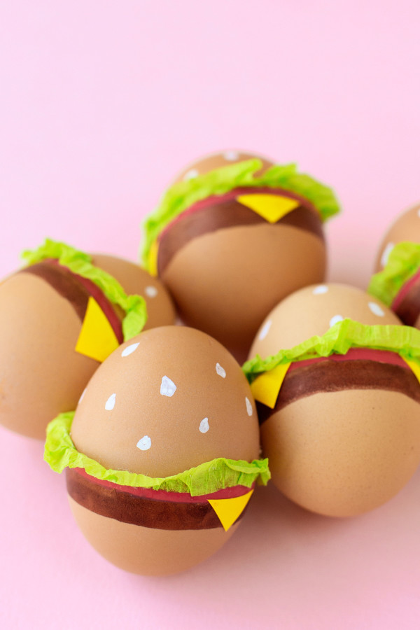 DIY burger Easter eggs (via studiodiy)