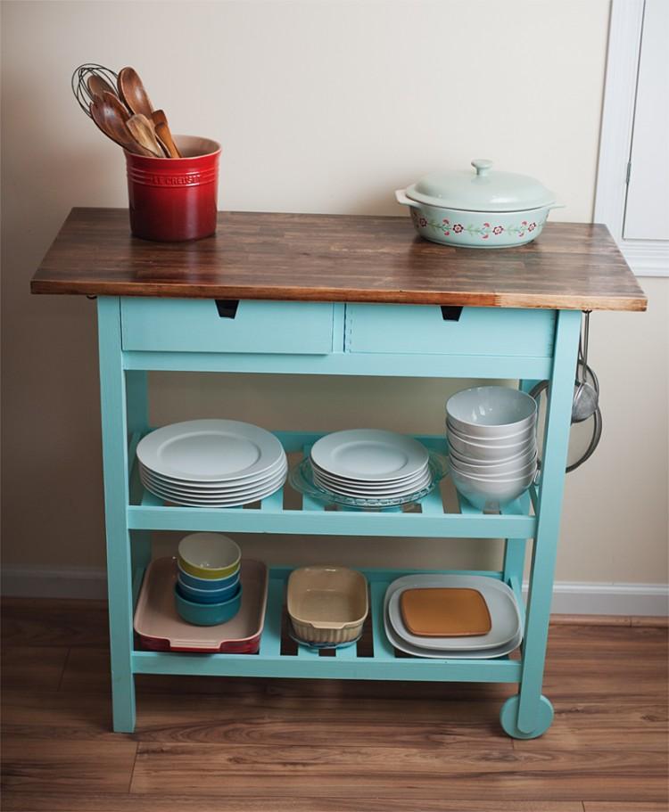 DIY kitchen cart (via nikoosphotos)