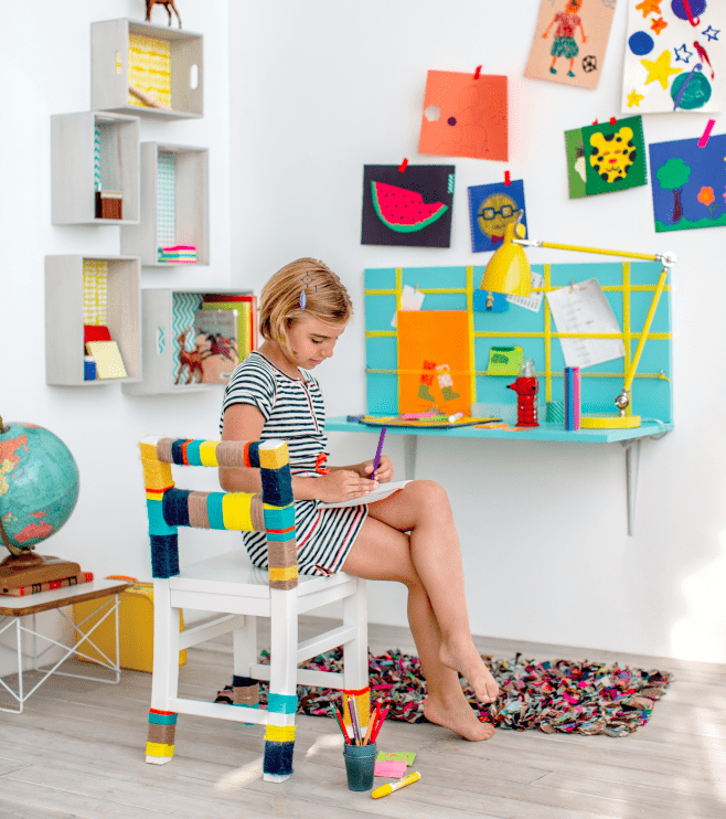 DIY wall attached kid desk (via projectkid)