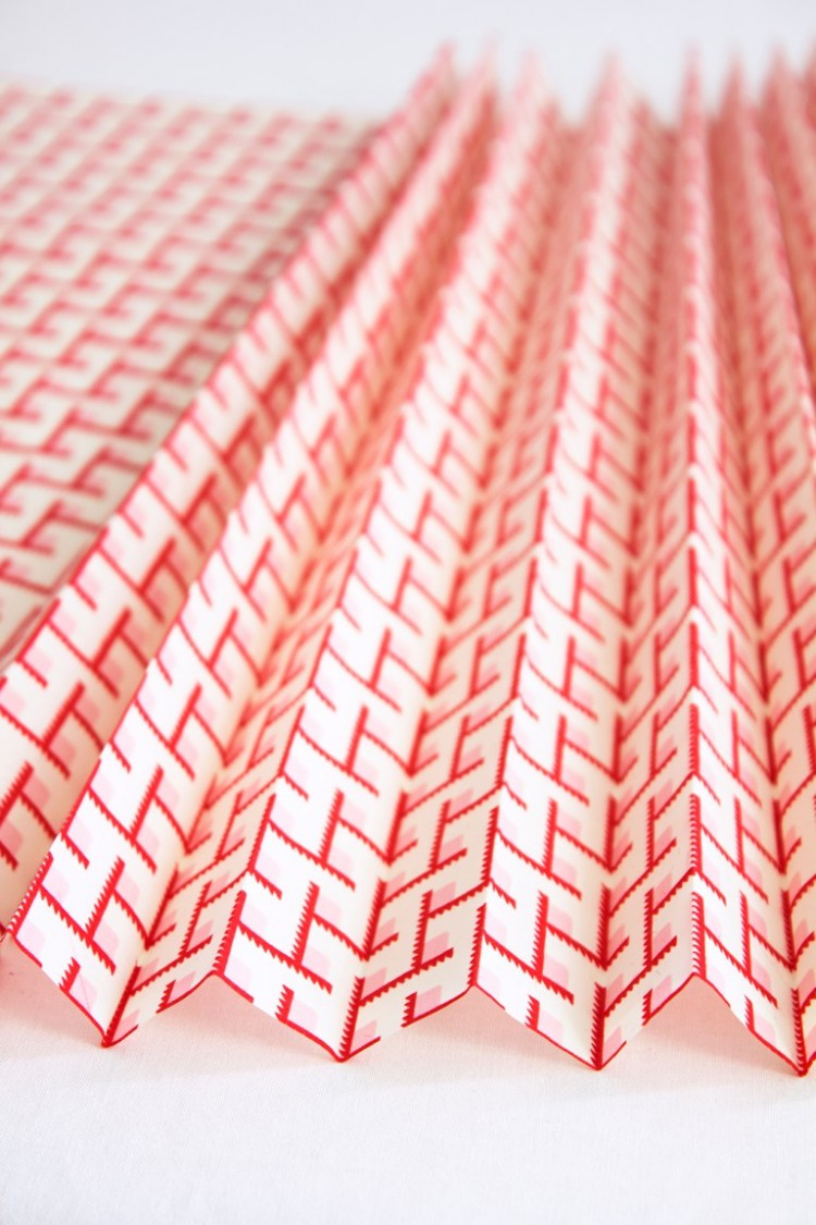 DIY No Sew Fabric Pleated Pendant Lamp
