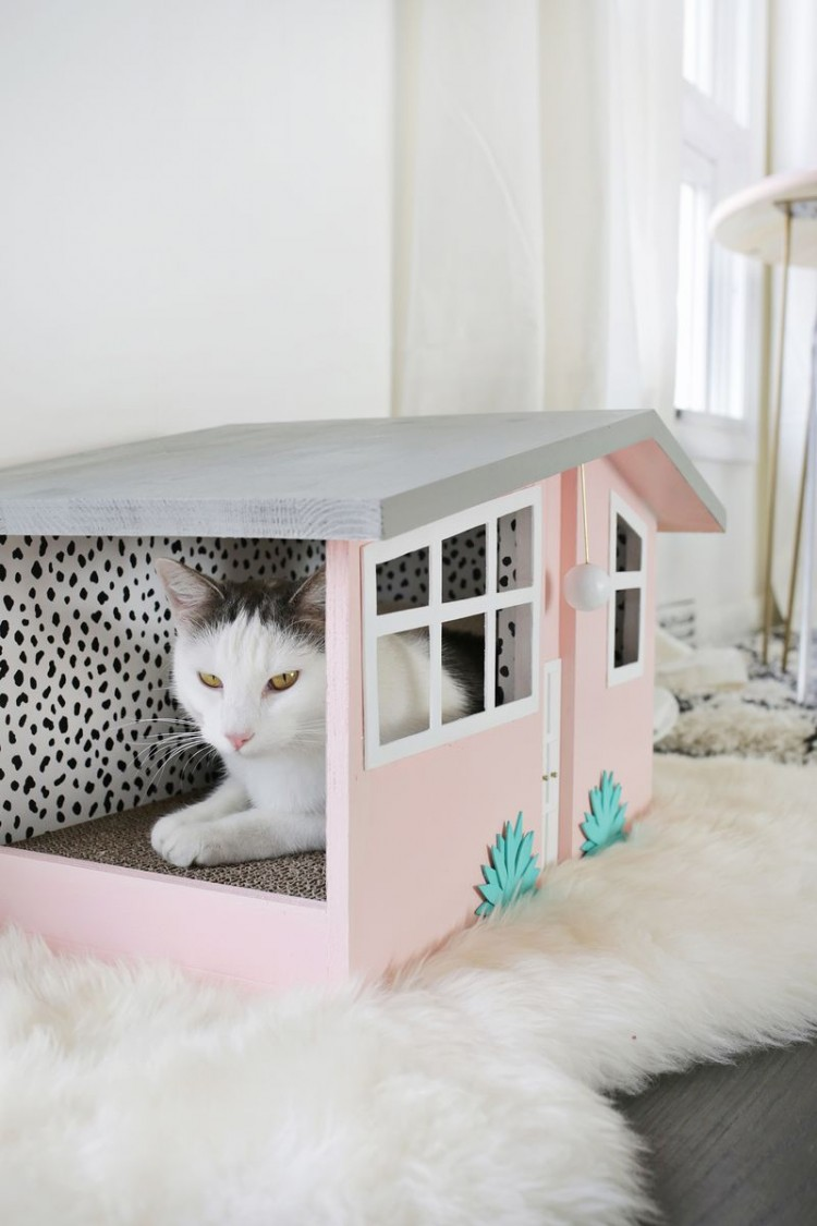 DIY Palm Springs-Inspired Kitty Scratch House