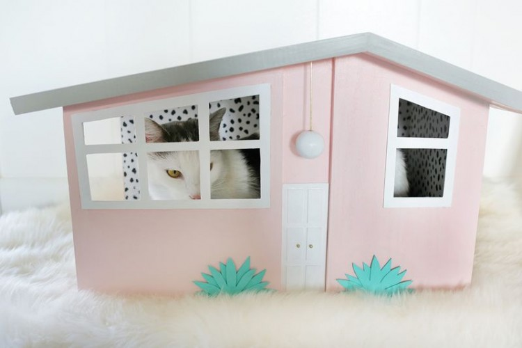 DIY Palm Springs Inspired Kitty Scratch House